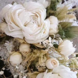 おしゃれでエレガントな布花! 白い布を染めて、シックで華やかな布花を日々咲かせています。