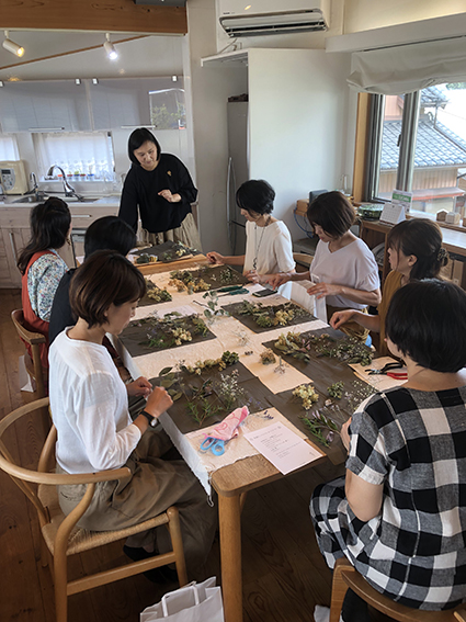 yu-kariの紫陽花のプチブーケのガーランド作り