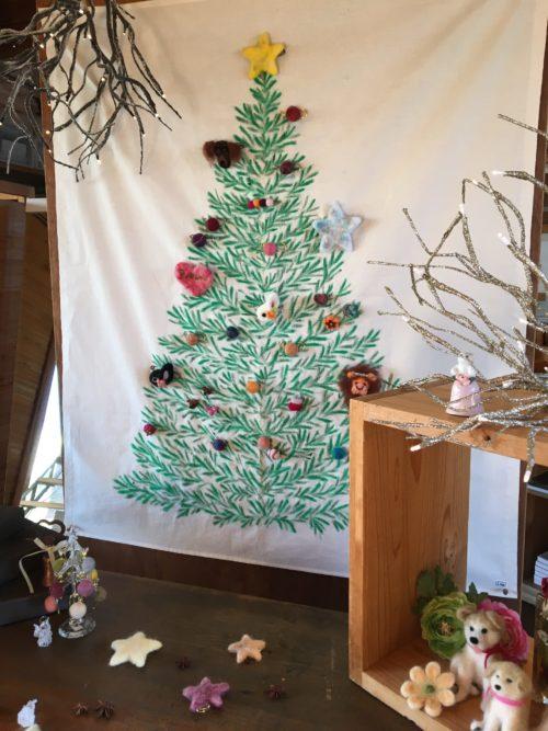 羊毛フェルトのカラフルクリスマス