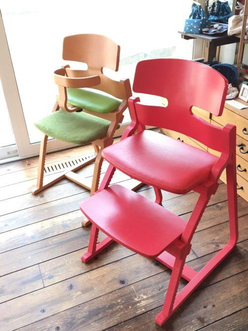 アップライトチェアー子どもたちの姿勢を守る椅子ー