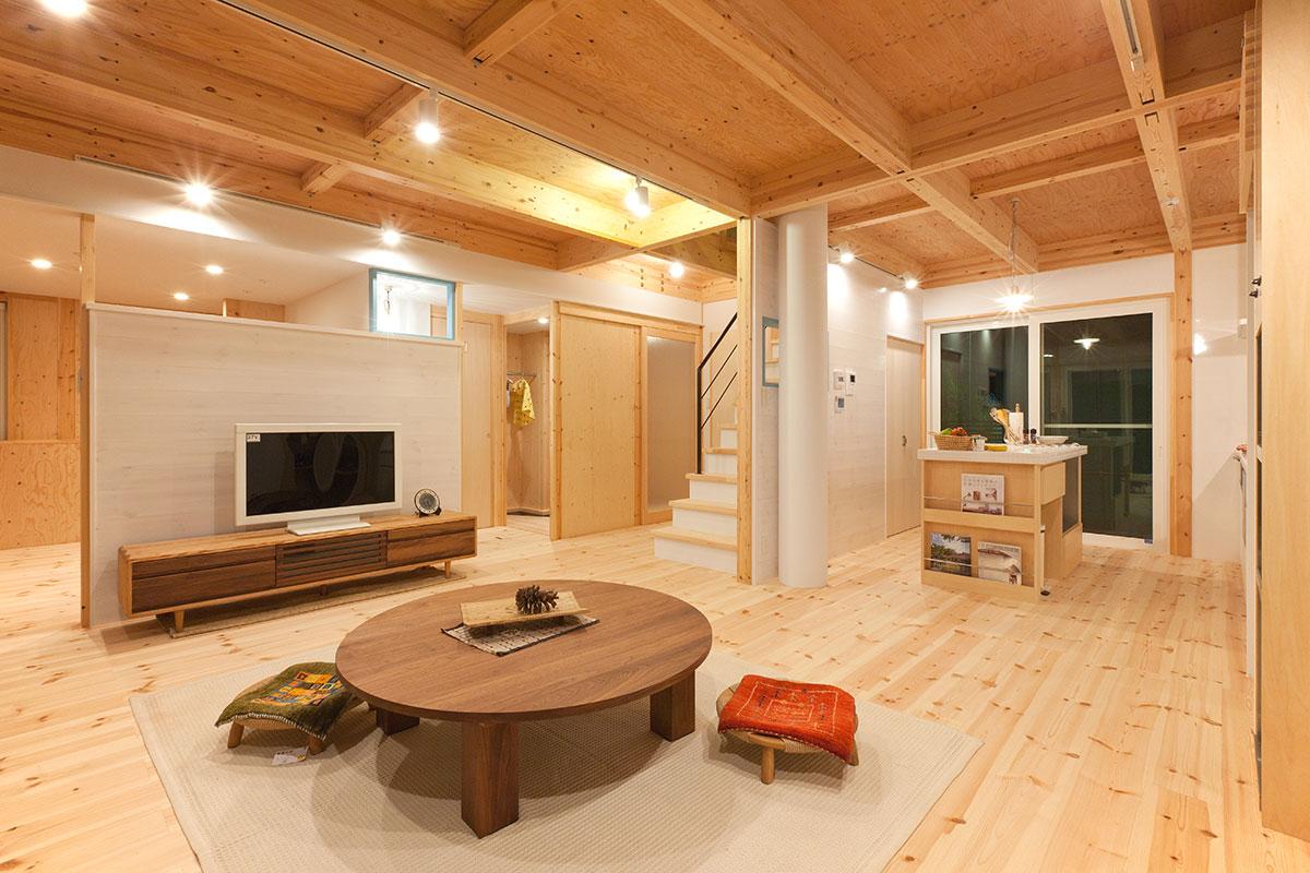 【暮らしの写真集】<br>随所にアイディアを盛り込んだ自然が作り出す空間の家。